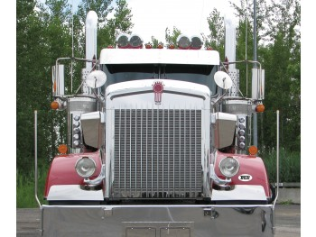 Kenworth W900L Hoodshield Bug Deflector (1993+)