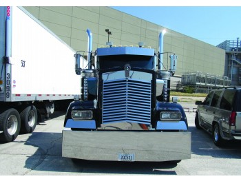 Kenworth W900L Angled Louvered Grill - 16 Bars