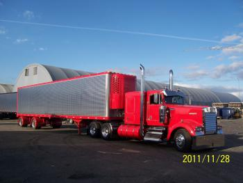 truck not for sale ............... great dane trailer 2001 new rubber spread axle 25000 obo